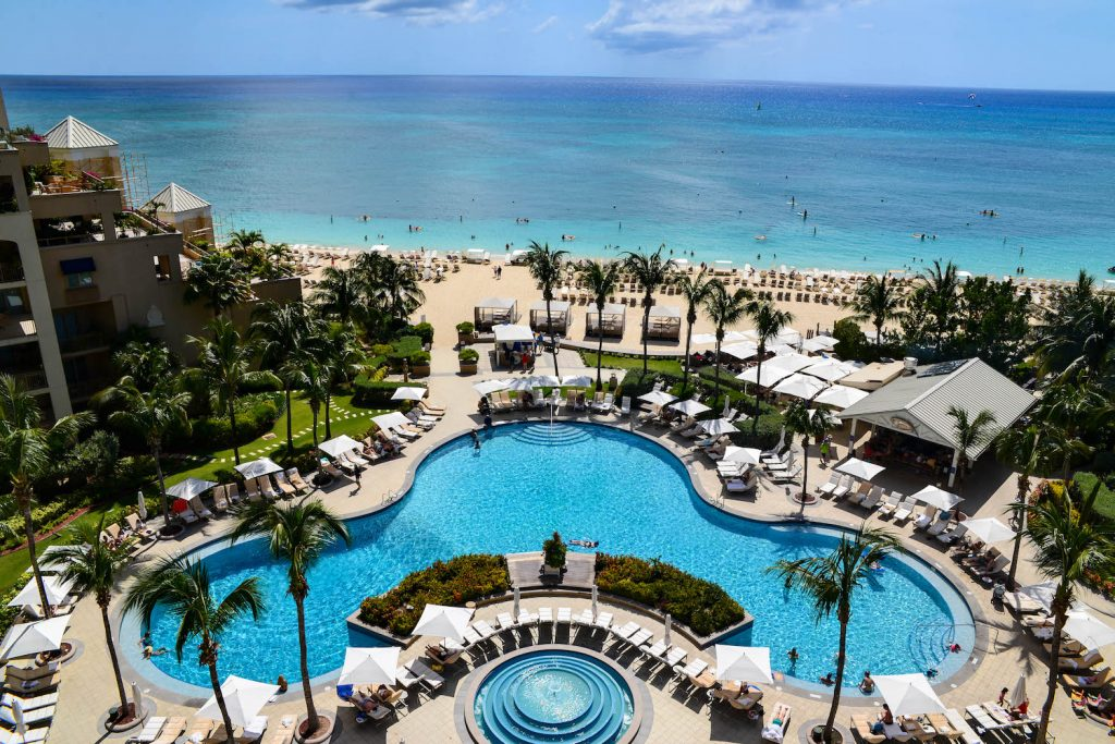 Ritz-Carlton-Grand-Cayman-Pool-5